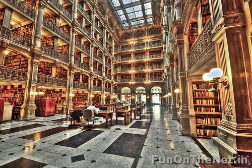 Peabody Library, Baltimore. Funonthenet.in