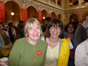 Lauren Beukes is the pretty one on the left.