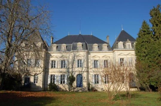 Chateau in Charente, exploreimmo.com