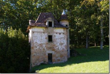 Same property as above. I'd be content with this little outhouse!