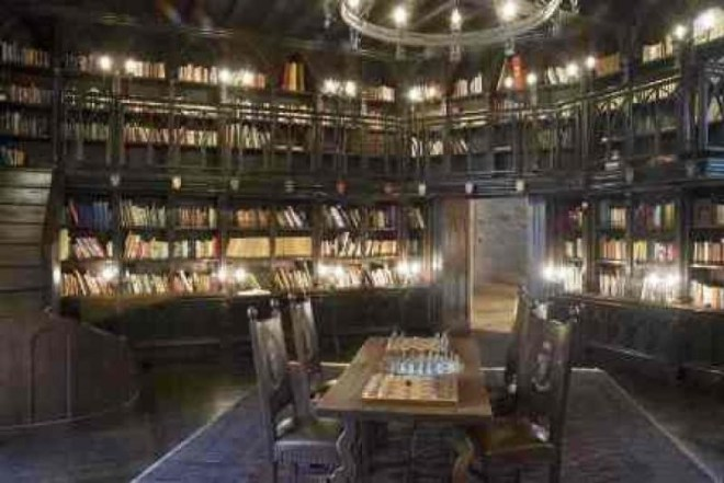 ... and a few you might not. I would die for that library!