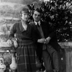Katherine Mansfield and John Middleton Murray in 1920, from hamhigh.co.uk