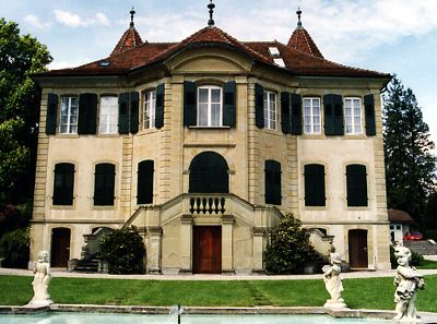 Chateau Bethusy, from lausanne.ch