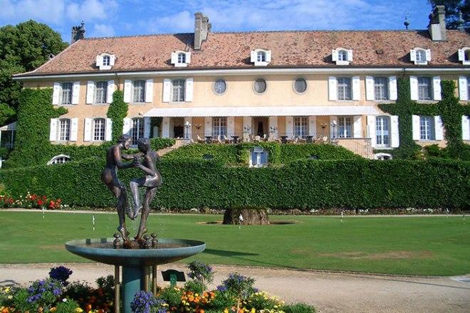 Chateau de Bon Mont, from swissshistorichotels.ch