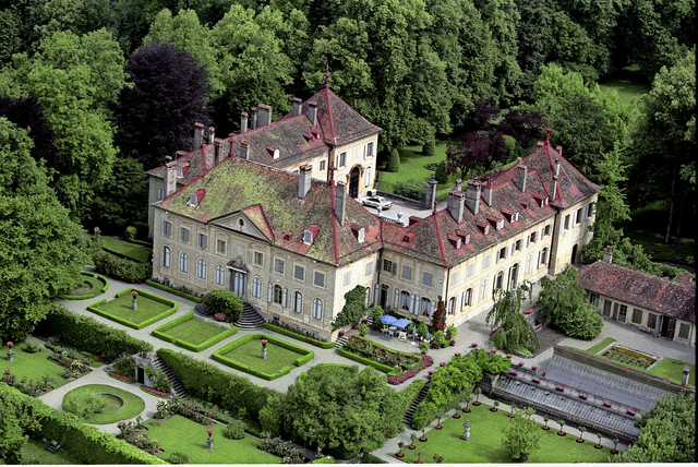Chateau de Hauteville, from 24heures.ch