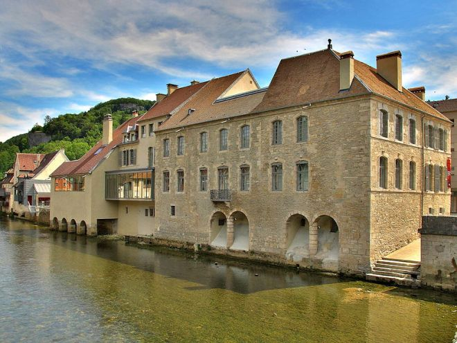 Painter Gustave Courbet's birthplace, now a museum in the picture-pretty village of Ornans. From museefrance.fr