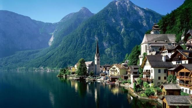 Europe has its share of beauties too: Hallstatt in Austria, from traveldrinkdine.com