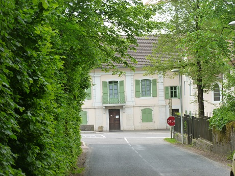 Just down the main driveway of the chateau stood the house of Voltaire's great friend, the polyglot traveller and seaman ('cher corsaire') Henri Rieu, who translated, copied and lent books to Voltaire. It's now the Catholic school St. Vincent.