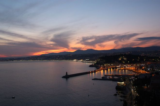 Nice - Ciel en feu (Sky on fire), from erikouphoos.aminus3.com