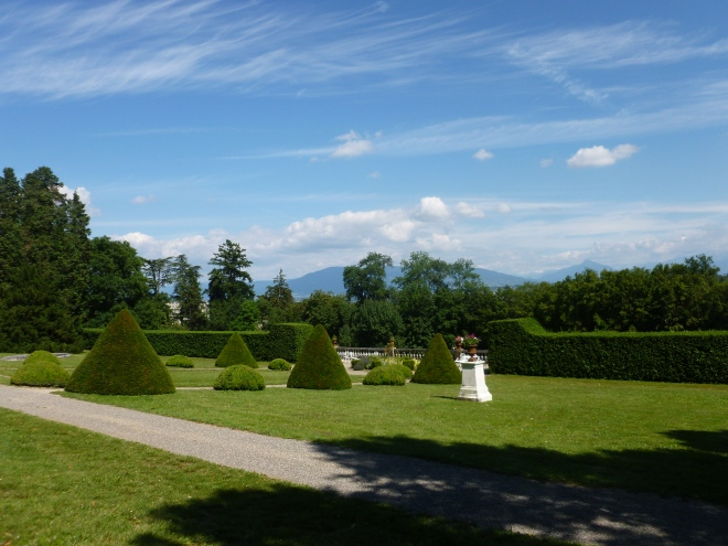 The more formal chateau gardens.