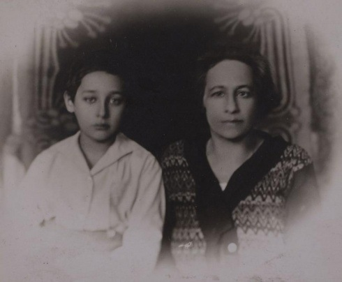 Romain Gary with his mother, from the Lithuanian State Archive