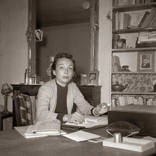 The dining table for Marguerite Duras, from Clube de leitores.